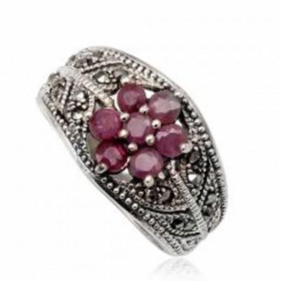 Anel de prata 925 com rubis e marcasita