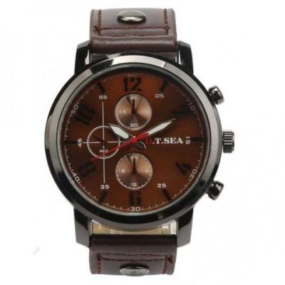 Relógio com bracelete de couro cor café