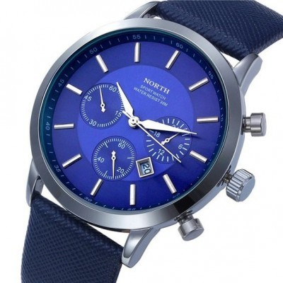 Relógio com bracelete de couro azul