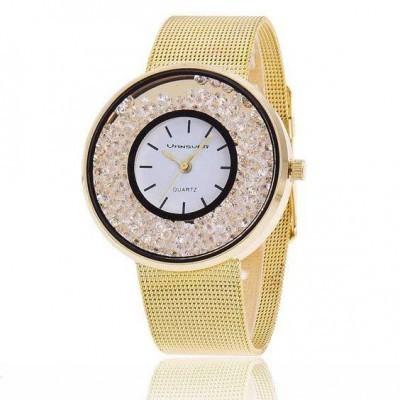 Relógio com bracelete de malha em aço inoxidável cor ouro e cristais